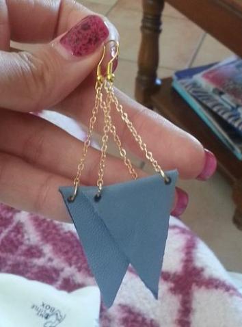 DIY boucles d'oreilles triangle en cuir
