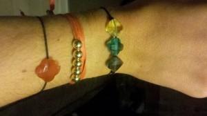 Alignés en bracelet